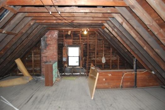 comment faire un vide maison vider un grenier vide grenier crez un compte au col une de mes. Black Bedroom Furniture Sets. Home Design Ideas